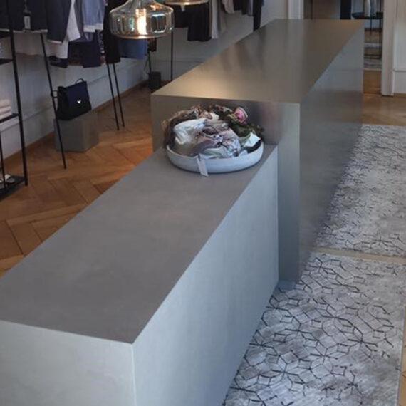 Theke Boutique Les Deux mit Beton-Ciré