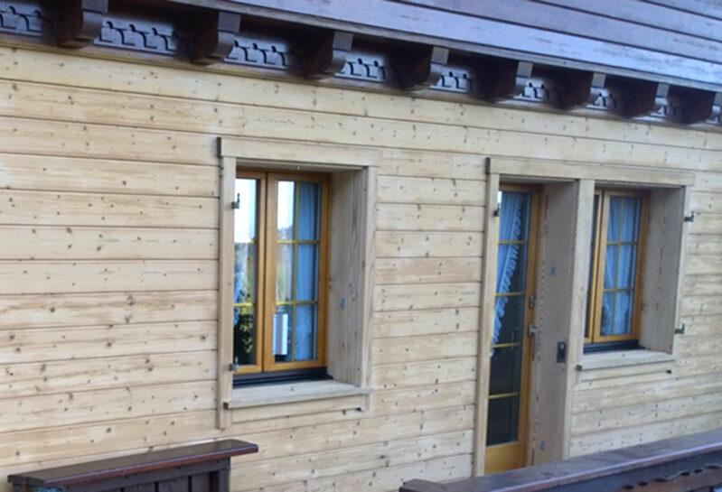 Holz-Sandstrahlen – Hannes Nussbaumer AG, Baar